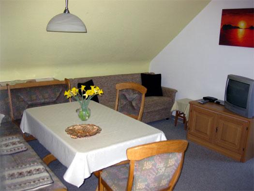 bilder fewo in lenzkirch schwarzwald bei titisee. Black Bedroom Furniture Sets. Home Design Ideas